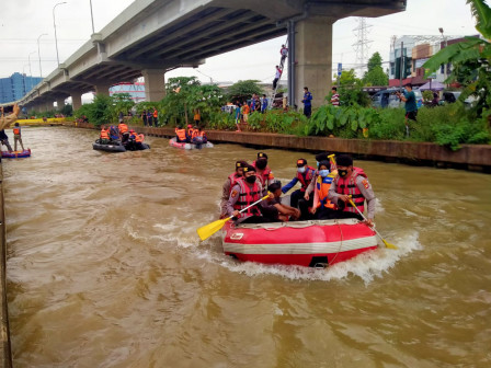 Flood Mitigation Simulation Held in Kalimalang