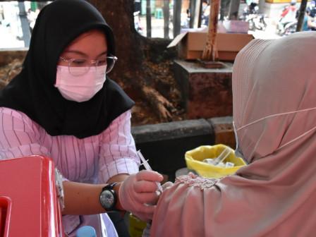 300 Pedagang dan Warga Ditargetkan Divaksin di Pasar Cibubur