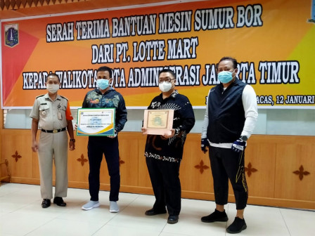 East Jakarta Mayor Receives One Drilling Machine Unit