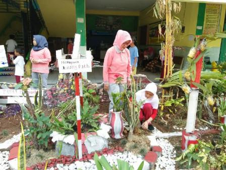 Ada Taman Ramah Anak di SDN Rawa Bunga 01
