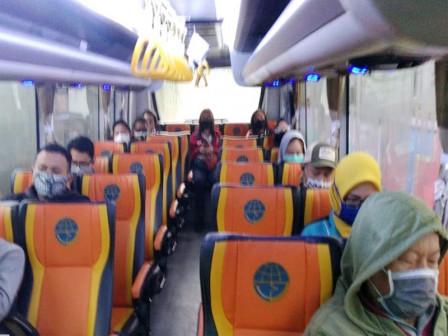 Bus Sekolah Layani Ratusan Komuter dari Daerah Penyangga Jakarta