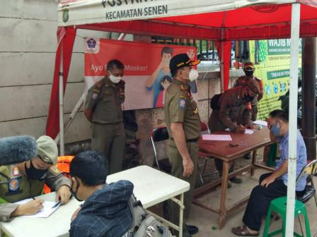 Satpol PP DKI Jakarta Gelar Operasi Tertib Masker di Senen