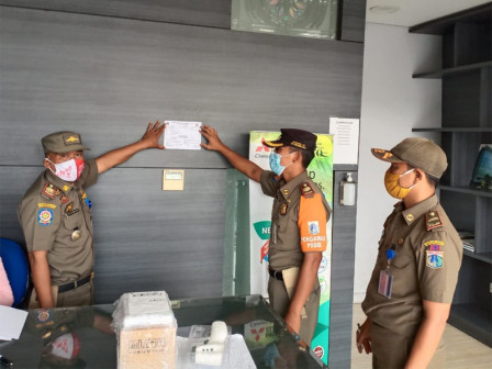 Again, Kebon Jeruk Satpol PP Intensifies Health Protocols Monitoring in Business Sites