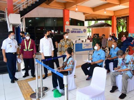 836 Orang Divaksin di Terminal Kampung Rambutan