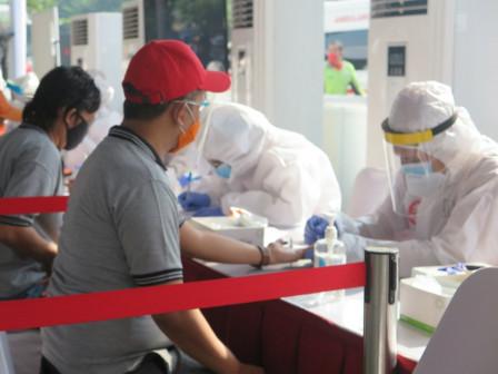 1,000 People in Cilincing Undergo Mass Rapid Test