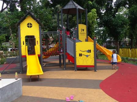 Asyiknya Menikmati Fasilitas Baru di Taman Maramba