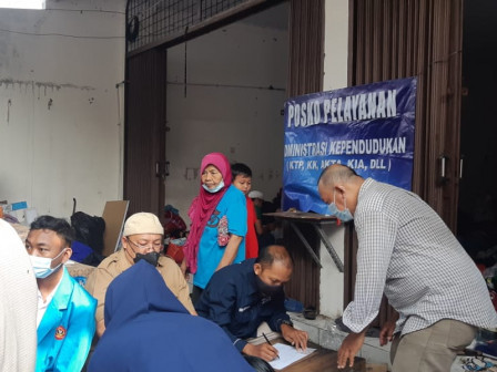 Sudin Dukcapil Jakarta Barat Buka Posko Pelayanan Untuk Korban Kebakaran