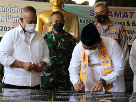 Walikota Jakarta Barat Tandatangani Prasasti Kampung Tangguh Lintas Agama