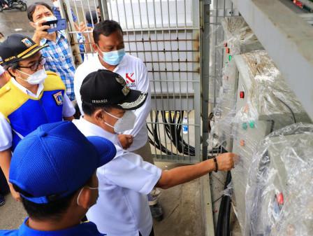 Central Jakarta Acting Mayor Monitors Pump on Jalan Pangeran Jayakarta