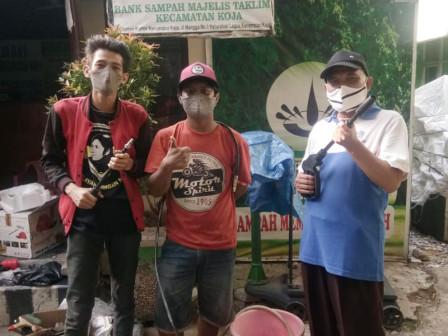 Bank Sampah Majelis Taklim Koja Bina Anak Jalanan Berwirausaha
