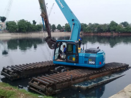Bojong Reservoir Dredging Targeted to Finish By the End of This Month