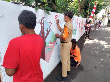 Camat Ciracas Suport Pembuatan Mural Warga Rambutan