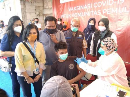 150 Peserta Mendapatkan Layanan Vaksin di Klender