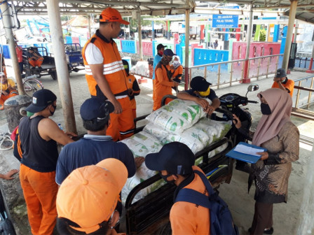 COVID-19, Tidung Island Receives 1,623 Packages of Rice
