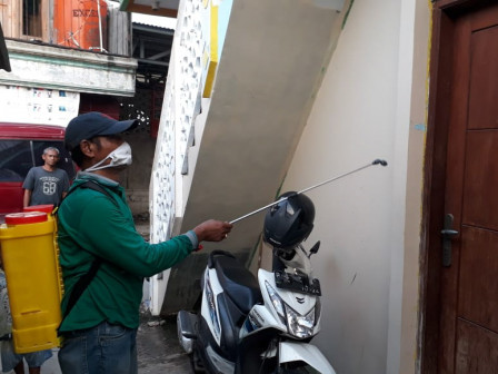 Residential Areas in Pegadungan Sprayed with Disinfectant Liquid