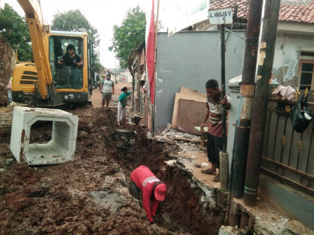 Sudin SDA Jaktim Bangun Saluran Air di Tujuh Lokasi