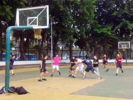 SMAK 3 Penabur Manfaatkan Lapangan Banteng Latihan Basket