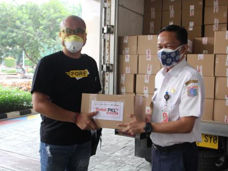 Pemkot Jaksel Terima Bantuan 300 Paket Sembako Dari Raja IT