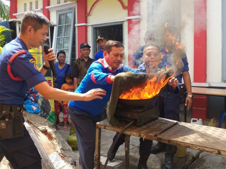 Fire Handling Socialization Given to 120 People in North Jakarta