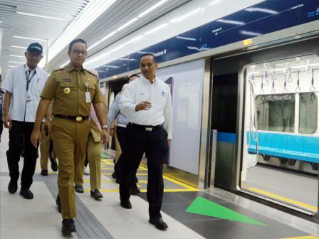 Anies Uses MRT-Transjakarta Bus at HI Roundabout