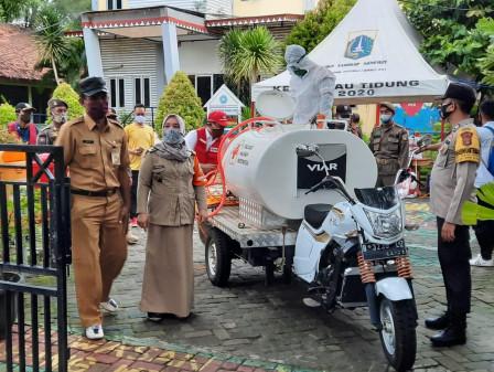 Penyemprotan Disinfektan Secara Massal Digelar di Pulau Tidung