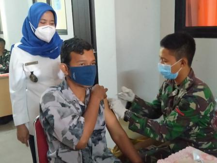 500 Warga Mendapatkan Layanan Vaksin di SDN 01, 02, 03 dan 04 CBU