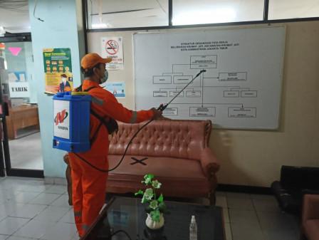 Layanan Masyarakat di Kantor Kelurahan Kramat Jati Dialihkan ke Kecamatan