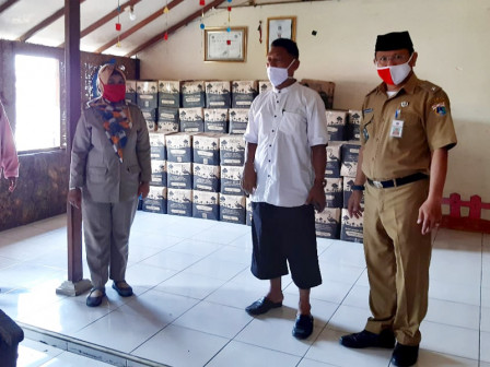 COVID-19, 11,248 Social Aid Packages Distributed to Batu Ampar