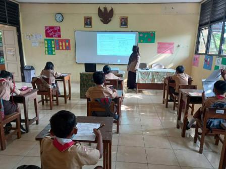 Uji Coba Pembelajaran Tatap Muka di SDN Pulau Panggang 01 Pagi Berlangsung Lancar