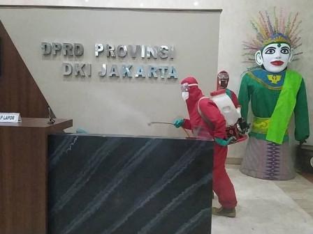 Gedung DPRD DKI Kembali Disemprot Cairan Disinfektan