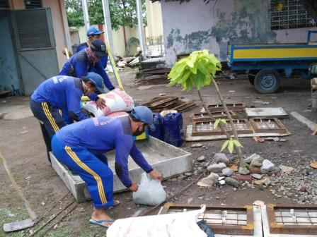Satgas SDA Perbaiki Manhul Yang Rusak di Pulau Untung Jawa
