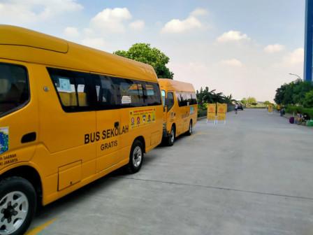 Lima Bus Sekolah Disiapkan untuk Pemulangan Pasien Sembuh COVID 19