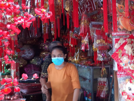 Imlek Souvenir Sellers Began Rampant at Asemka Market
