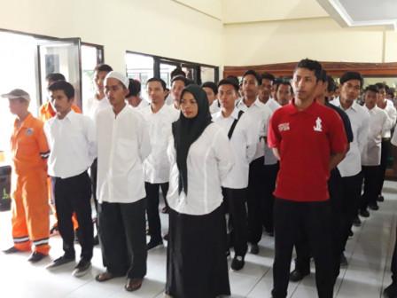 115 Seribu Islands Residents Received Basic Safety Training Certificates for Motorsailer