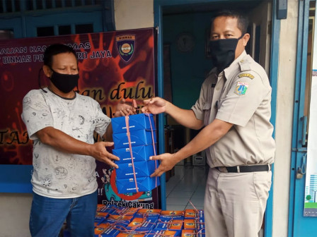 Social Aid Distributed to Fire Victims in Cakung