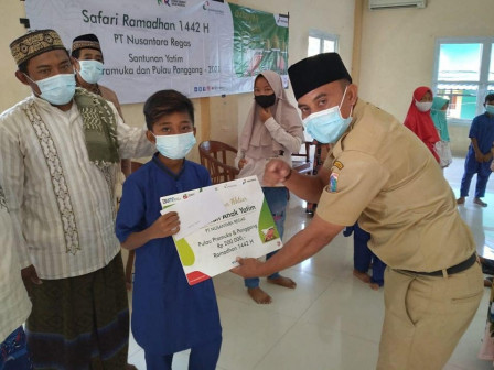 120 Anak Yatim Piatu di Kelurahan Pulau Panggang Mendapatkan Santunan