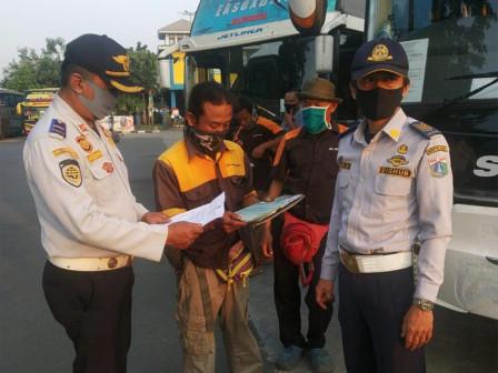 Awak dan Penumpang Bus AKAP di Terminal Tanjung Priok Wajib Miliki SIKM