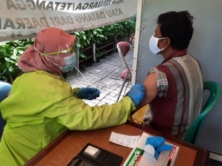 880 Lansia di Kepulauan Seribu Telah Terlayani Vaksin Covid-19