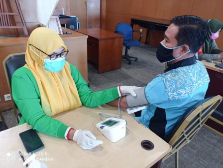 218 Keluarga Pegawai di Lingkungan Kantor Walikota Jakarta Utara Ikut Vaksin Dinamis