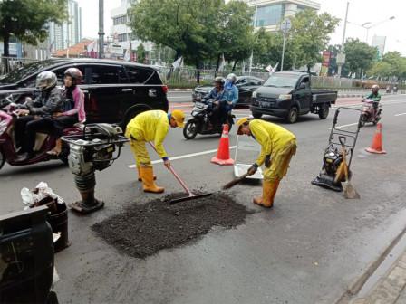 Potholes in Senen Sub-district Asphalted