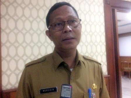 Five Sub-districts in S. Jakarta Get 1,907 Elderly Cards