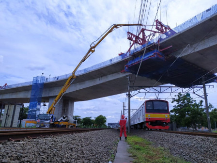 Cakung Flyover Construction Touches 94 Percent
