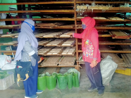 East Jakarta KPKP Sub-agency Ensures Tempeh Production Runs Normally