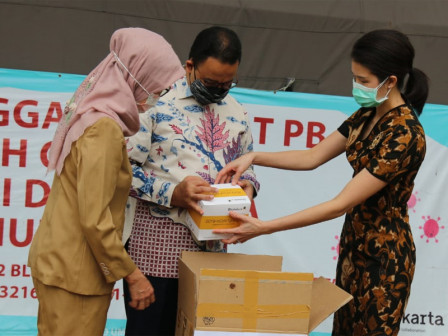 City Receives 2,000 Units of Rapid Test Kits from Siloam Group for Pregnant Women