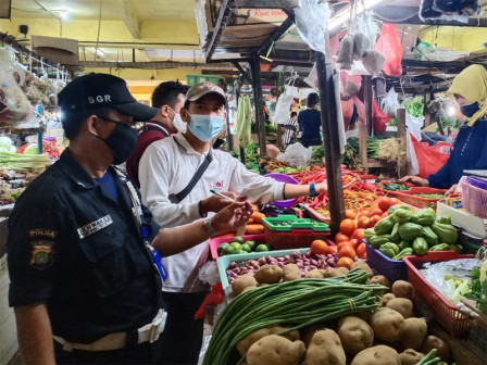 Dinas KPKP Awasi Produk Cabai Rawit Merah di Sejumlah Pasar
