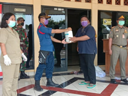 Urban Villages in Thousand Islands Receive Hand Sanitizer and Disinfectant Aid