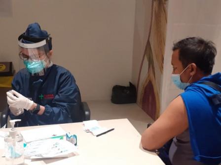 150 PJLPs in Grogol Petamburan Undergo COVID Vaccination