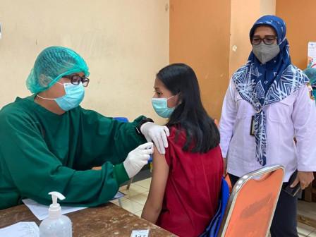 82 Warga Kelurahan Johar Baru Berhasil Disuntik Vaksin Covid 19