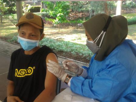 Kelurahan Ciganjur Targetkan 500 Vaksin Per Hari