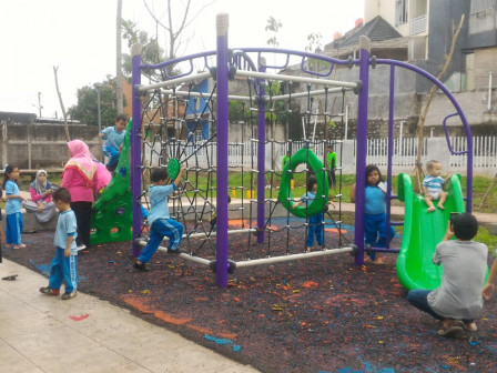 Warga Ciganjur Bersyukur Memiliki Taman Warung Silah